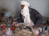 Touareg artisan in Assaghan Association workshops, Tamanrasset.  (c) Andy Morgan