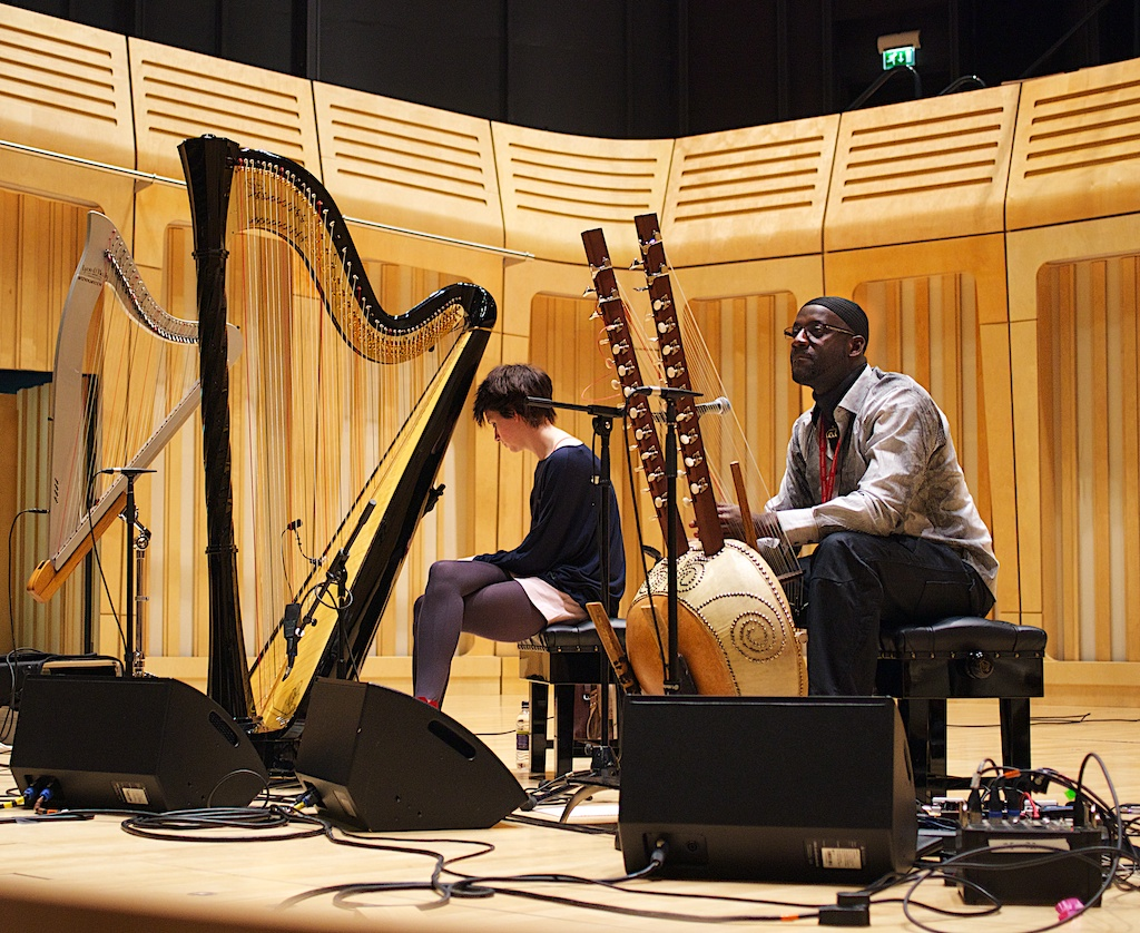 <i>REVIEW:</i> CATRIN FINCH &#038; SECKOU KEITA. The Royal Welsh College of Music and Drama, Cardiff &#8211; 20/03/2013