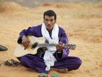 Bombino Niamey Feb 2013 © Andy Morgan 27