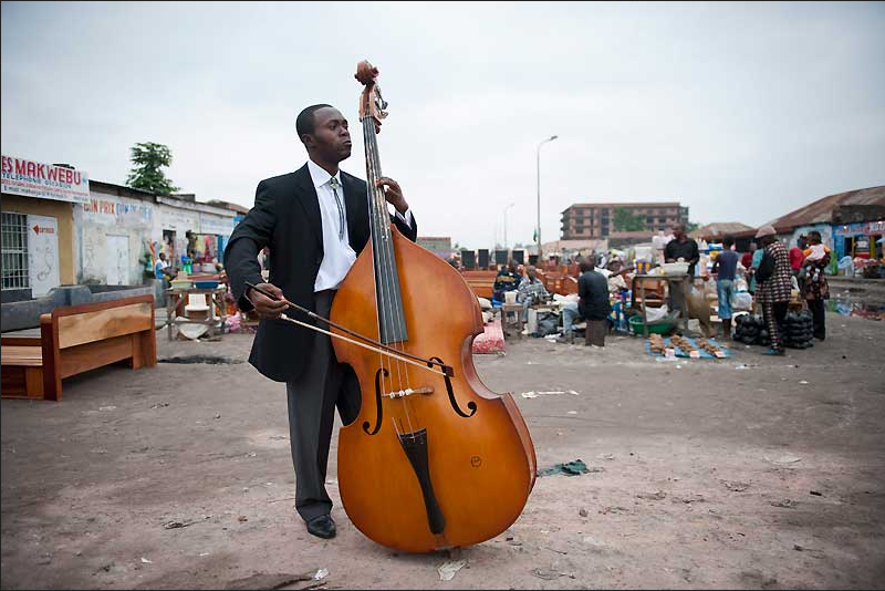 Kinshasa Cellist © Vincent Boisot